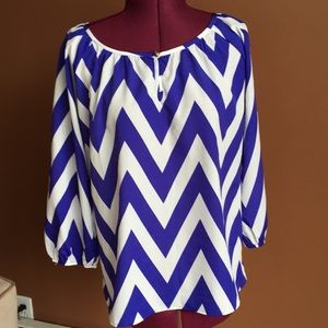 Everly chevron blue blouse 3/4 sleeve